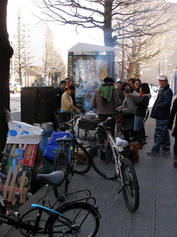 NHK仙台支局付近(飲食店の炊き出し)