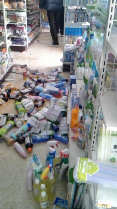 2011年3月11日15時38分近所のコンビニ、地震から約1時間後の光景