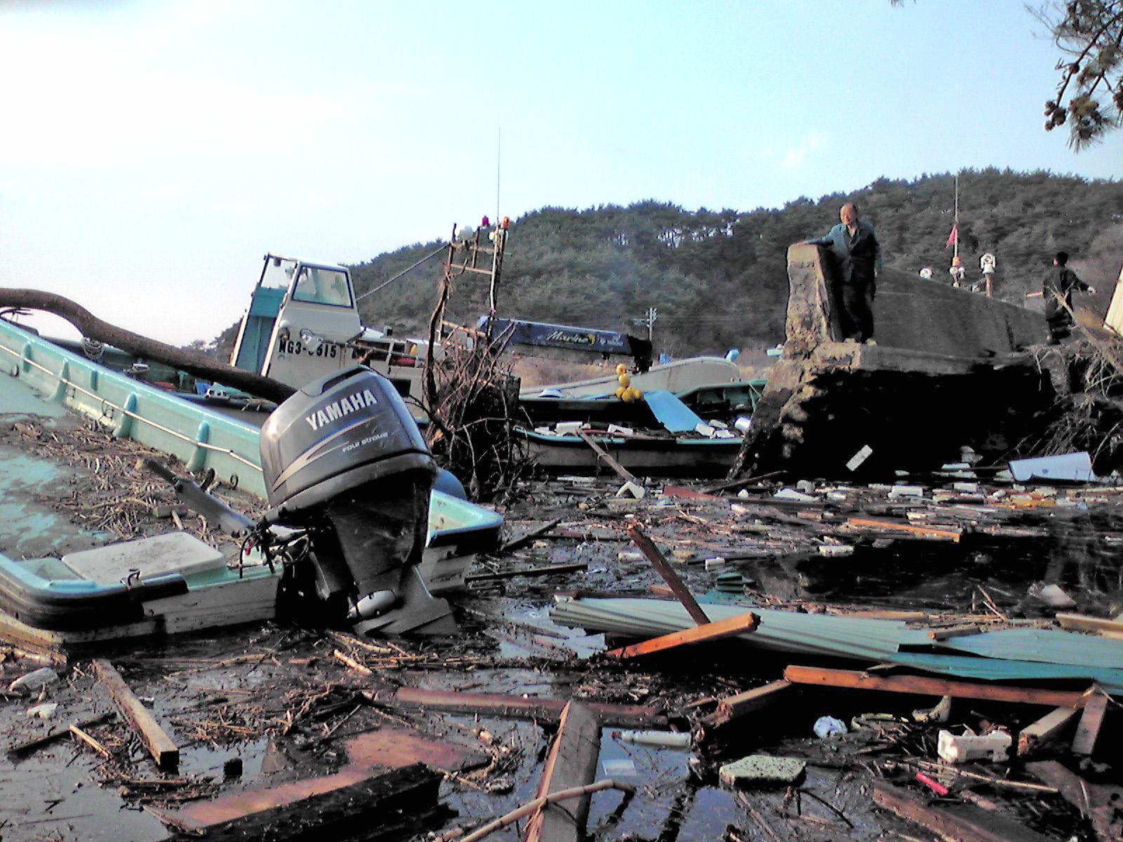 決壊した「創る村」前の堤防