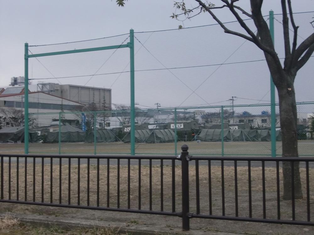 公園に設置された自衛隊のテント