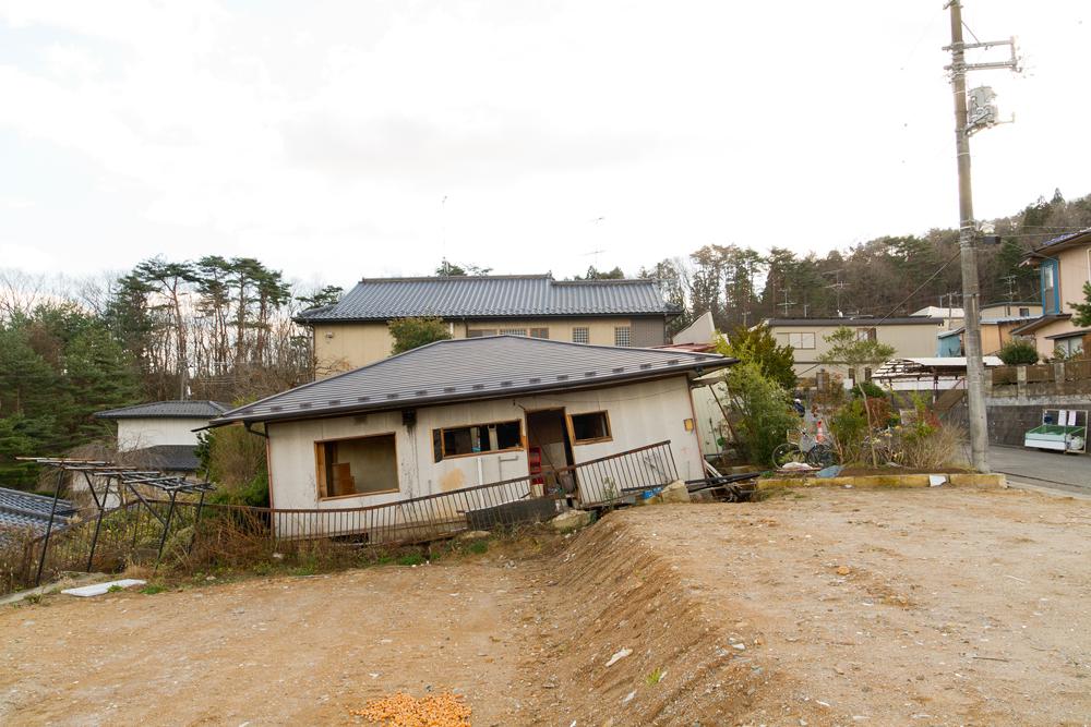 横から見た家の様子