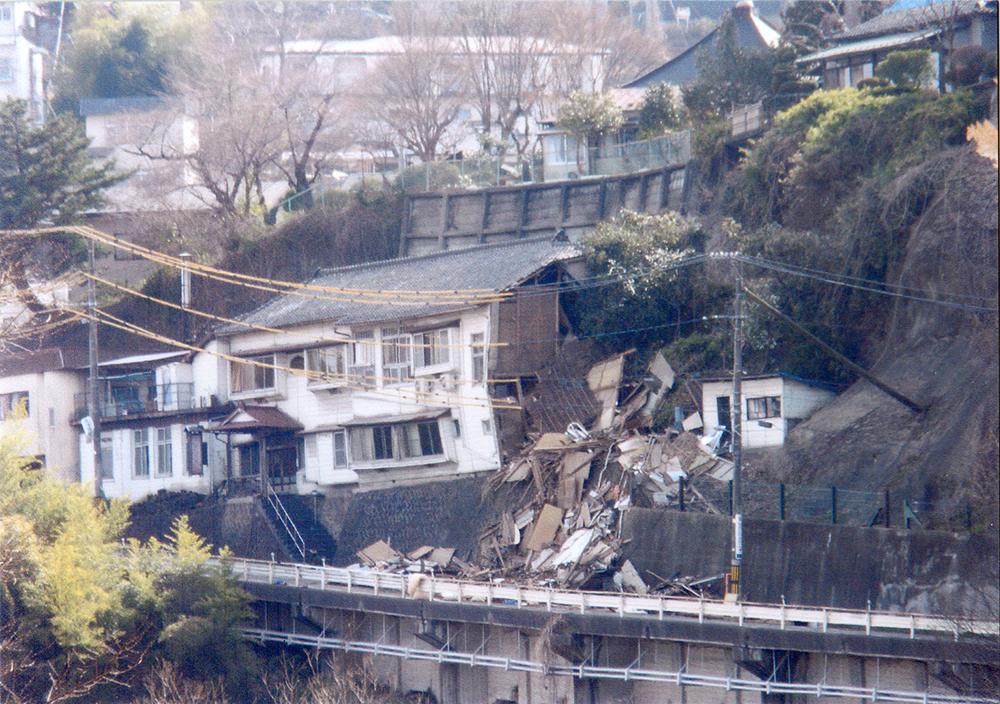 2011年4月1日 仙台市太白区 鹿落旅館
