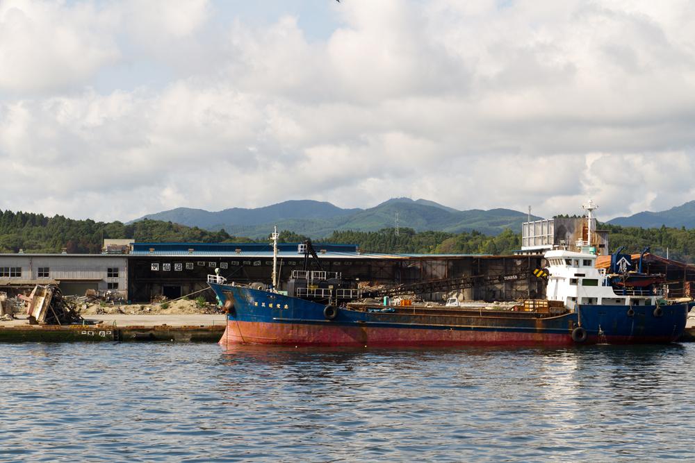 フェリー上から見た気仙沼漁港