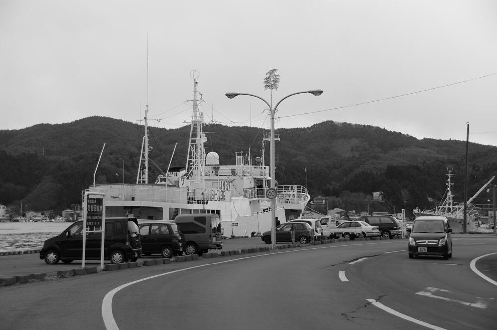 2010年12月気仙沼市お魚いちば前の道路