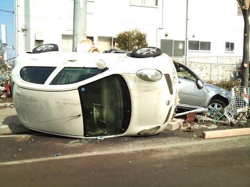 震災発生2日後の仙台新港付近