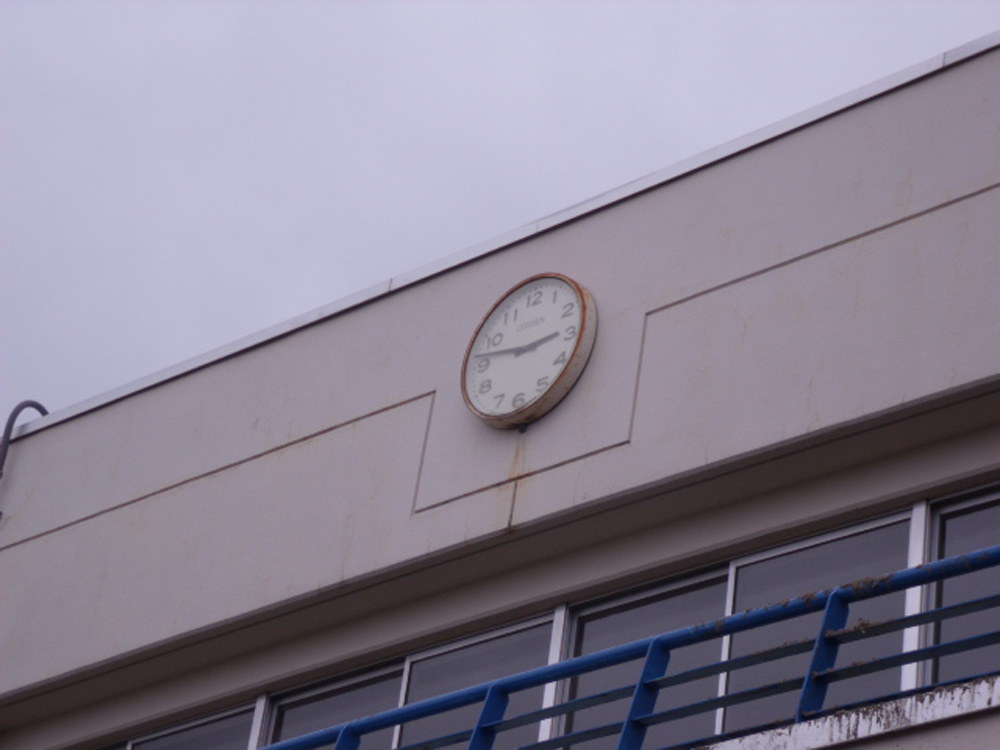 中野小学校_3_地震のときに止まったと思われる時計